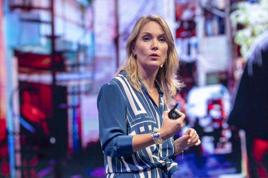 A diretora geral da Uber no Brasil, Claudia Woods
